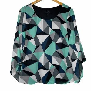 AGB Blue and White 3/4 Sleeve Scooped Neck Blouse